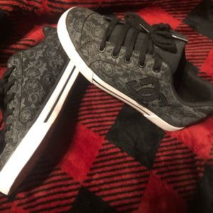 Woman's DC shoes